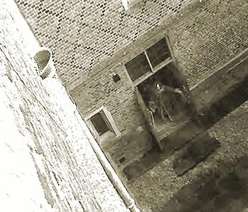 Фото: Призрак Данстерского замка, снятый на камеру